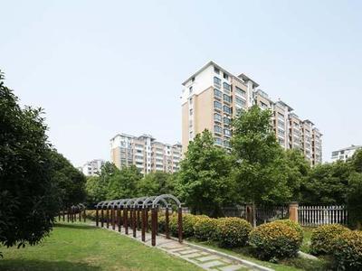 金城花苑1楼142平方 自 院子,新空房满5年,低价出售