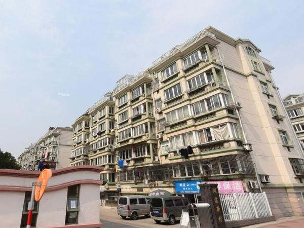 湖滨新村2楼140平方 3阳台精致装修三室二厅170万元满五唯一随时看房
