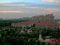 湖滨国际 小高层4楼 192平带车位, 精装 满两年 前楼是叠加 诚心卖
