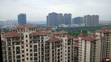 湖滨国际 20楼亲子户 198平方 双车位 自 精致装修 满五年 390万