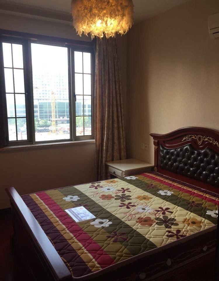 急租湖滨国际1室,2100一个月,拎包入住!看房方便!实图