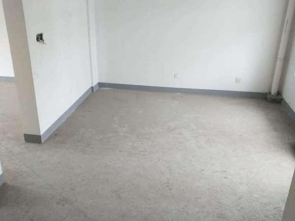 新航花苑15楼138平米 新空房 开价175万