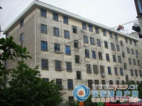 云盘二村,3楼,118平方米 自10平。4室1厅,简装,满五。175万,看房方便