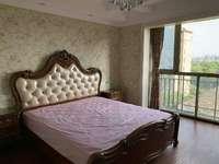 周边配套设施齐全,性价比超高中联皇冠 380万 3室2厅2卫 豪华装修