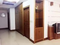 万红一村新房子2楼144平 自3室2厅精装干净清爽开价190万看中好谈