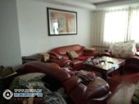 金城花园6楼132平方219.8万元三室二厅中档装修