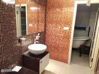 清水湾5楼138平方精致装修加自三室二厅关门卖259.8万