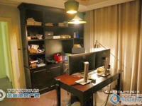 置地甲江南8楼162平方豪华装修中央空调和地暖从未用过厨房满五年302万