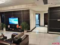 湖滨国际13楼170平 车位另卖精装满五唯一开价300万看中可谈