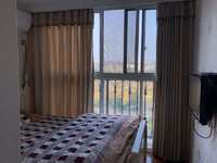 新珑湾6楼96平 三室 精装 满两年 报价139万