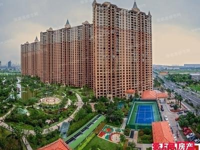 君临新城大平层楼王位置 198平 加车位 毛坯 可做5房 户型好 425万