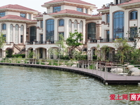 香蜜湖公馆联排别墅368平方 东边户 超大院子双车位惜售520万位置极好上风上水