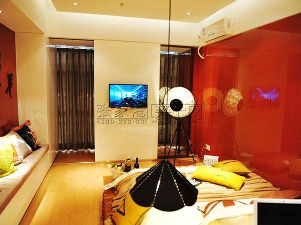 小公寓缇香广场5楼1室1厅精装43平54万,带组约出售,