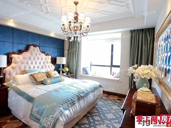 吾悦广场4楼公寓精装修41万。急售 急售。设施齐全。品牌家电,房东