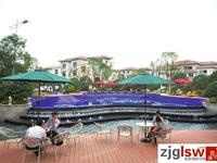 城市花园 底楼 160平 院子 自 汽车库 精装修 满两年 229万