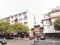 园林新村,4楼,128平米十95平米外阁楼十15平米自行车库 ,精,199.8万
