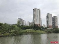 直降10万212万都市水苑3楼133平 自满两年精装修