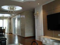 7楼东首房 中央空调130平 品牌豪华装修出租8万