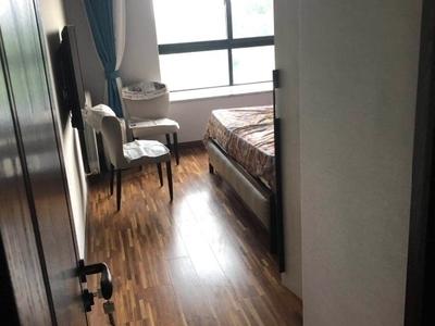 金城花园,电梯房6楼,145平,豪华装修,满五年,原价235万,现在只要220万