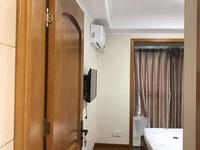吾悦广场7楼42平一室一厅精装修 24000一年