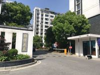 锦绣花苑:电梯11楼,124平 自,新空房,175万