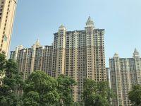 万达广场旁,稀缺大平层,君临新城458万5室2厅2卫毛坯,舒适,视野开阔