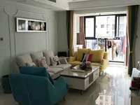 吾悦华府二期8楼 111平 精装 满2年 报价199.8万 房东急售 可谈