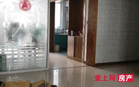 乘航骏马苑2楼 141平米 中等装修 3室2厅 130万元