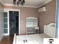 帝景豪园 高层 2400元 1室1厅1卫 精装修,干净整洁,随时入住