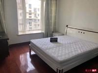 东方明珠锦苑 9楼 140平 产权车位 自 3室2厅 精装 255万 满五年